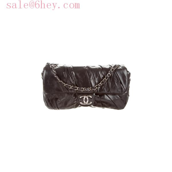 chanel classic clutch with chain price